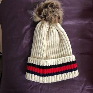 Pom Pom winter hat